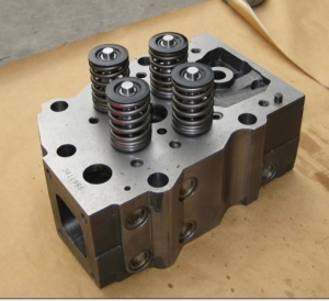 cummins  3811988 Cylinder Head,